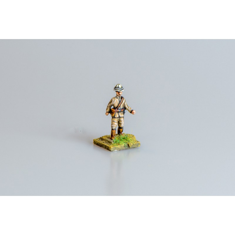 Colonial British Army – Infantry officer marching