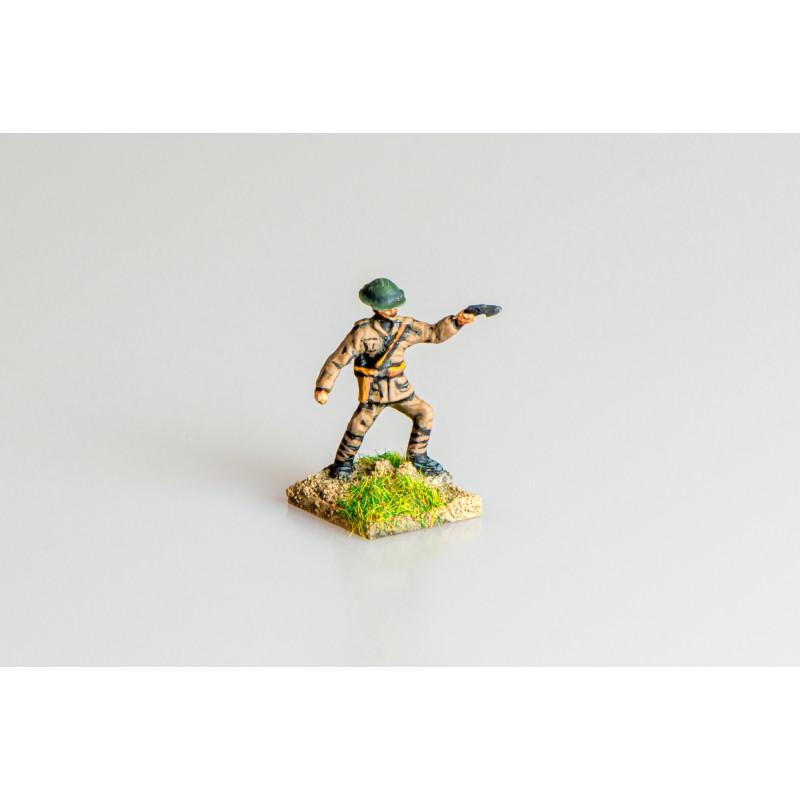 British Army – Infantry officer firing pistol